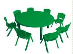 Table ronde + 8 chaises Vertes